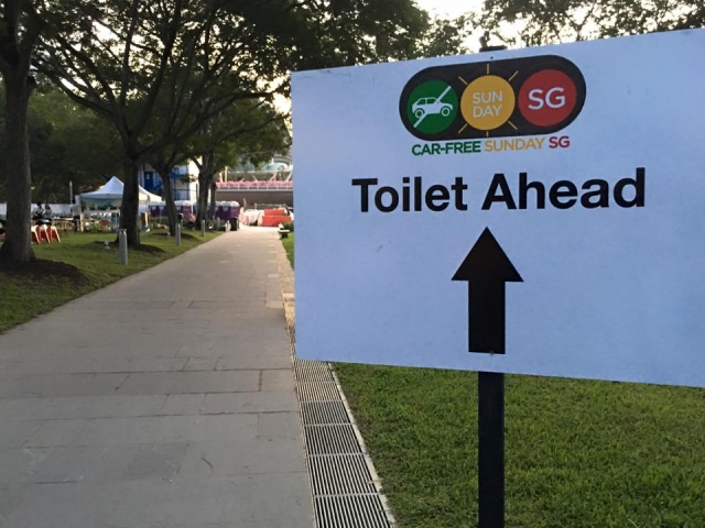 portable toilets in car free sunday 2016 2