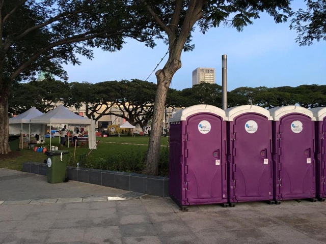 portable toilets in car free sunday 2016 4