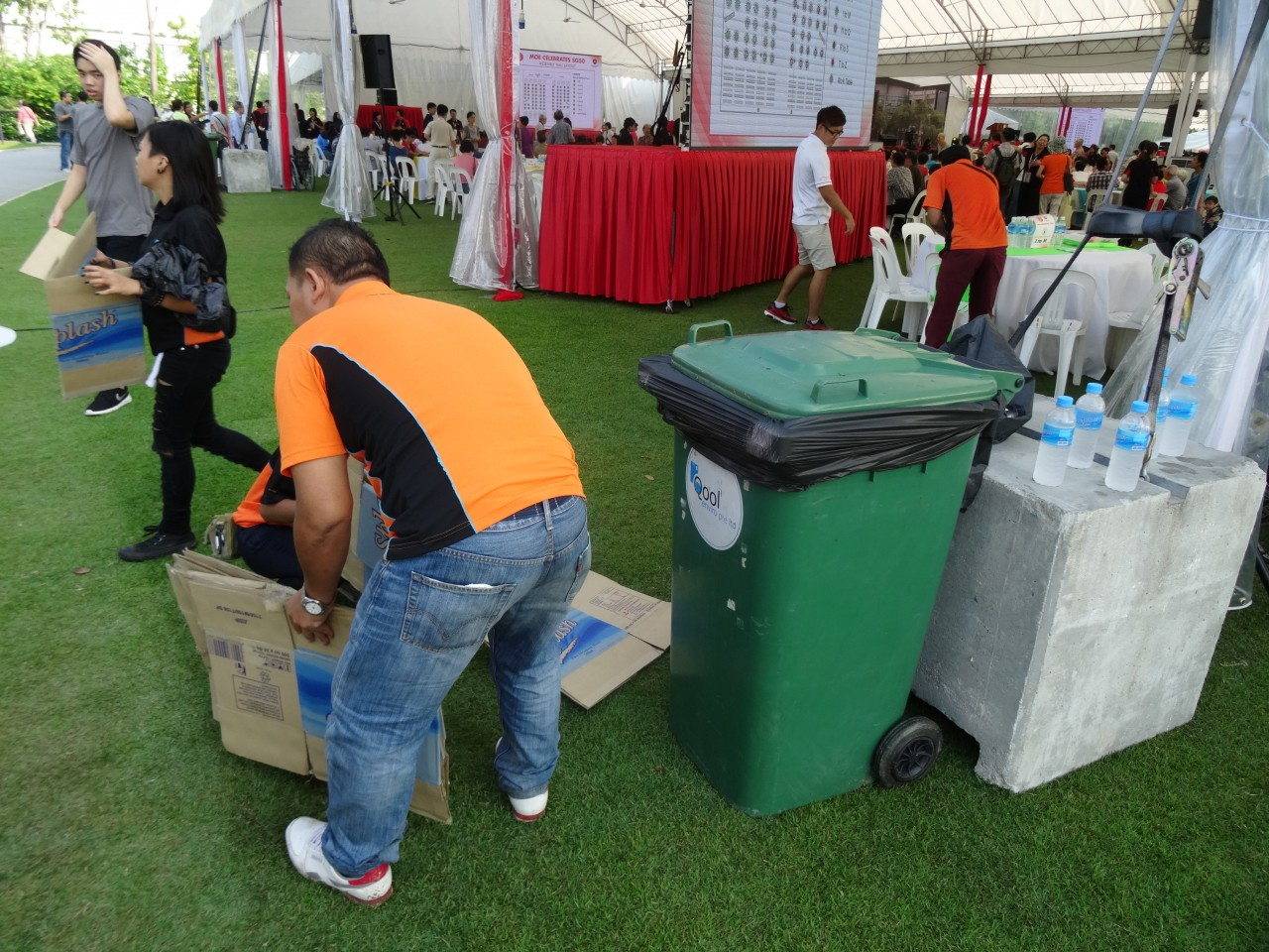 qool enviro portable toilet in moe celebrate sg50 13