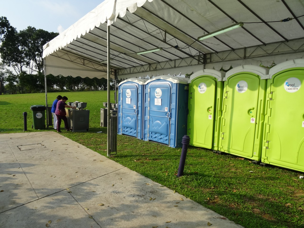 qool enviro portable toilet in moe celebrate sg50 2