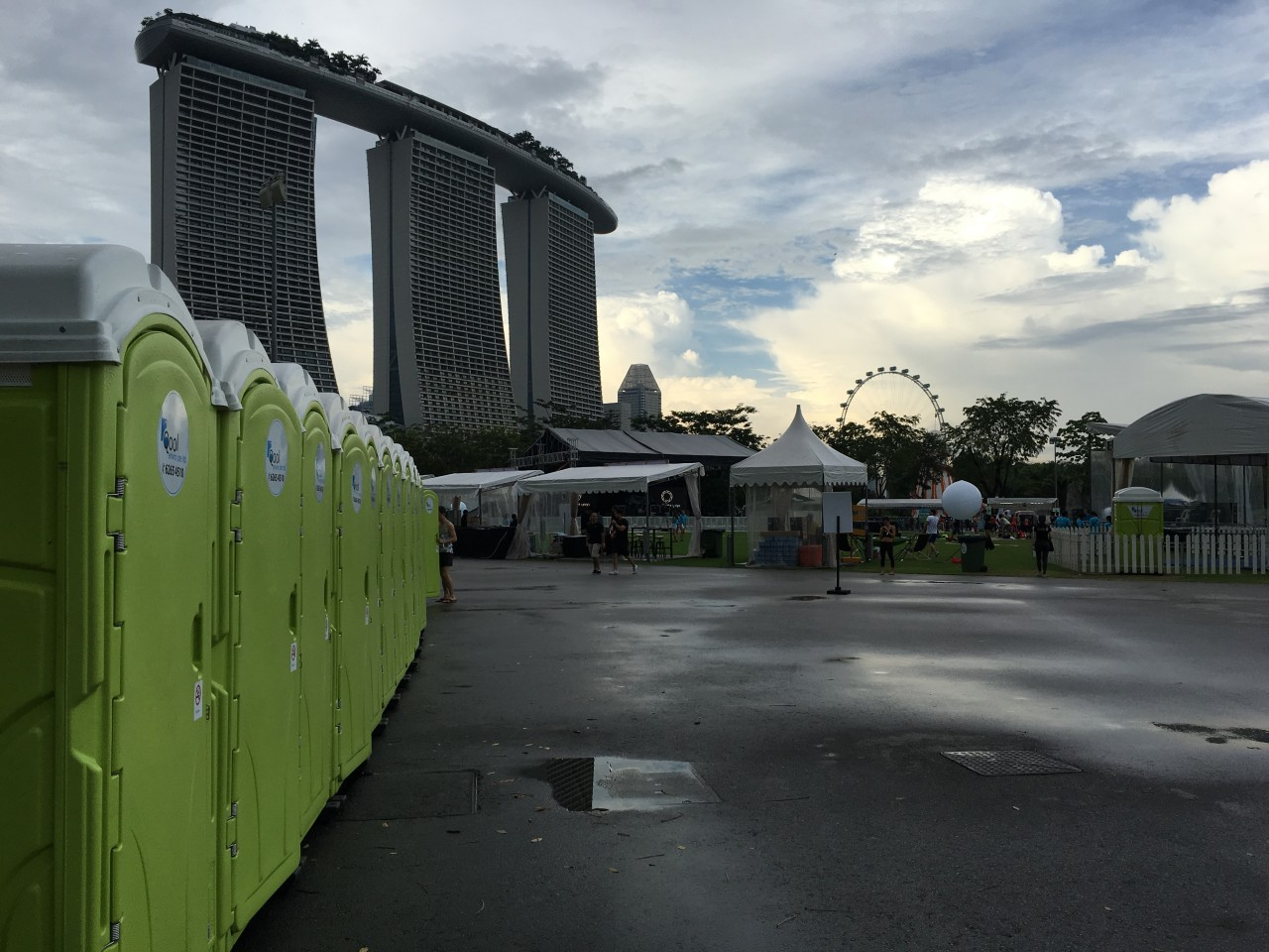 qool enviro portable toilets in bliss out 2015 2